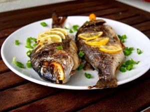 Пряная рыба дорадо в духовке: рецепт без фольги