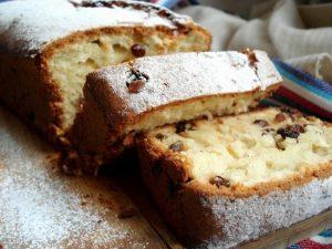 Классический рецепт кекса на сметане в духовке с изюмом