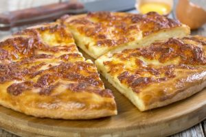 Классический рецепт хачапури с сыром в духовке с пошаговым описанием