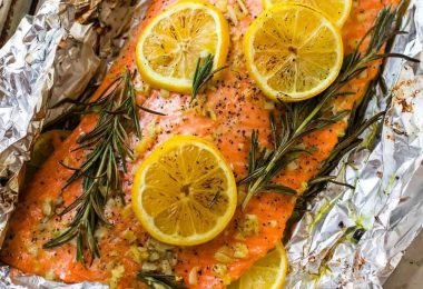 Как приготовить сочную горбушу в фольге?