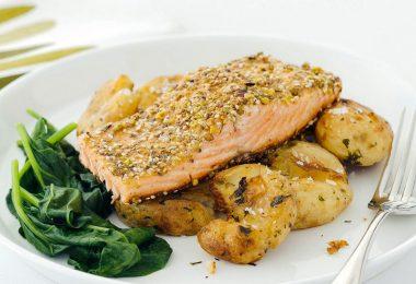 Филе рыбы с картошкой в духовке (запеченное с сыром)
