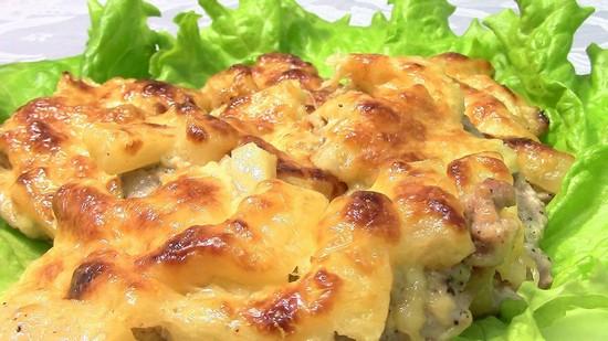 Горбуша под ананасом и сыром в духовке