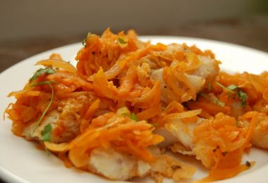 Хек в духовке с морковью и луком: как приготовить?