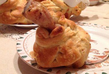 Куриная голень в тесте, запеченная в духовке (с грибами, сыром)