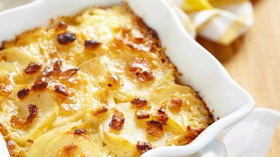 стейки горбуши, запеченные в духовке с картошкой