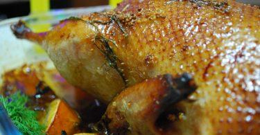 Утка в маринаде, запеченная в духовке: рецепты