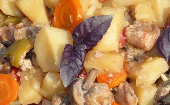 Как запечь картофель с грибочками в специях?