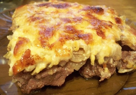 говядина с картошкой под сыром в духовке