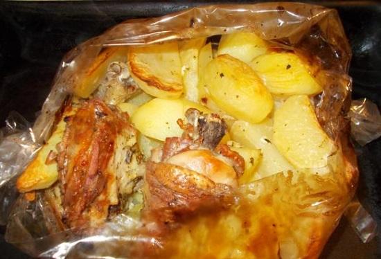 картошка с курицей в пакете