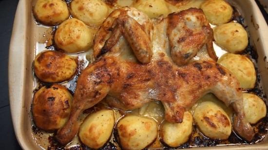 Курица табака с картошкой в духовке