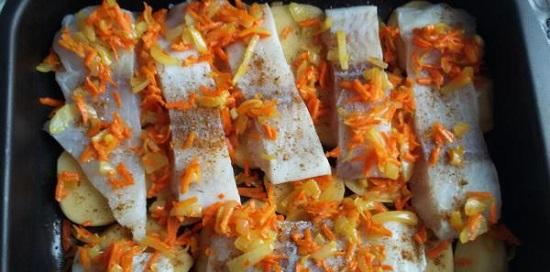 Сделайте верхний слой из морковно-луковой