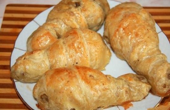 Куриная голень в тесте с сыром
