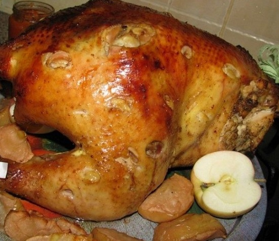 курица, запеченная с черносливом и курагой