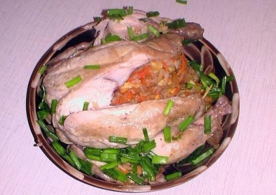 фаршированная курица в духовке целиком с рисом