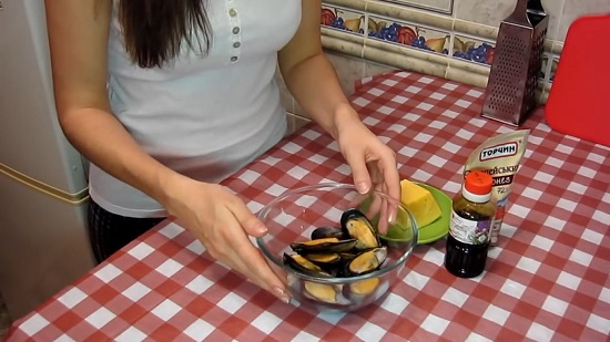 Подготавливаем остальные ингредиенты, указанные в рецепте