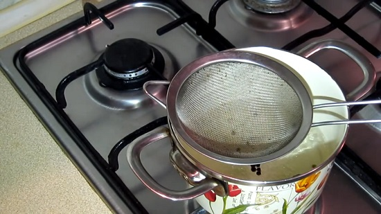 Будем готовить мидии на паровой бане
