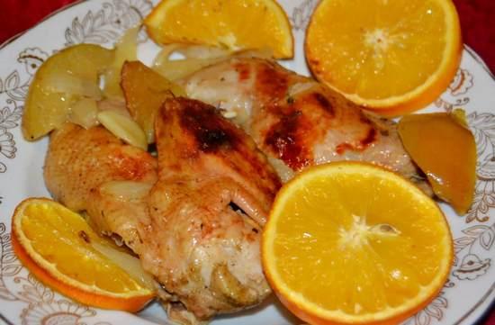 Праздничная цесарка в рукаве с апельсинами и медом