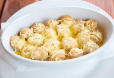 Как вкусно приготовить пельмени в духовке?
