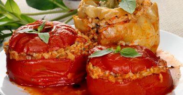 Как запечь фаршированный перец в духовке?
