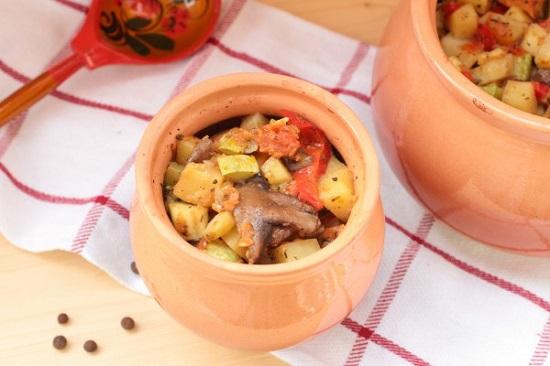 Рецепты жаркого в горшочках в духовке