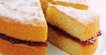 Рецепты бисквита с вареньем в духовке на скорую руку