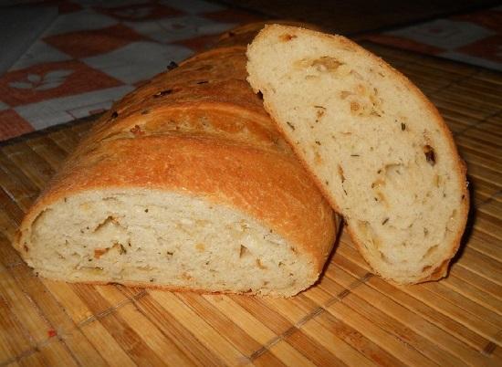 Изысканный луковый хлеб