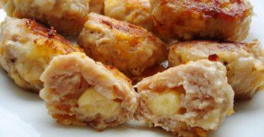 Котлеты в духовке с сыром: рецепт