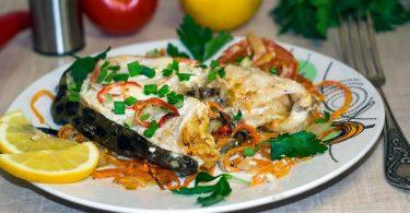 Зубатка в духовке: рецепт с овощами