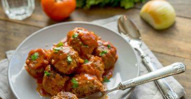 Рецепт тефтелей в соусе в духовке (в сливочном, в томатном)