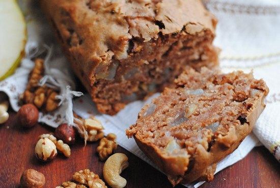 Американский шоколадный кекс с орехами в духовке