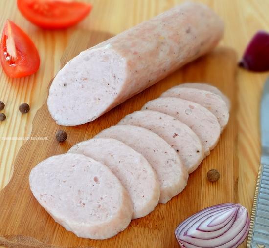 Диетическая куриная колбаса в духовке