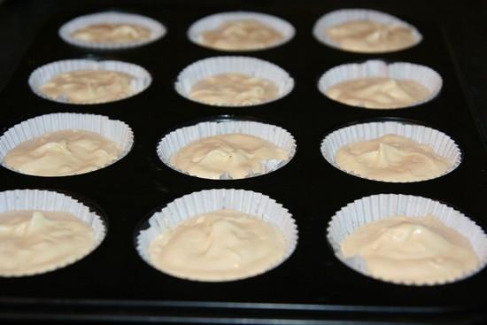 Быстрый кекс на кислом молоке и растительном масле в духовке